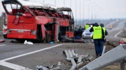 ДТП в Польше с украинцами: открылись данные о перевозчике