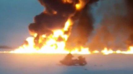 В России произошел взрыв и пожар прямо посреди реки, есть пострадавший (видео)