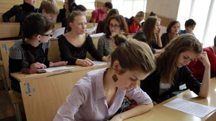 Кабмин утвердит порядок заключения договора о стажировке студентов