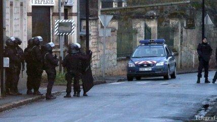 СМИ: Неизвестные захватили заложников в Париже