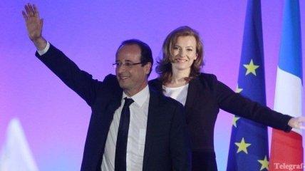 Суд Франции оштрафовал три журнала за фото первой леди в бикини