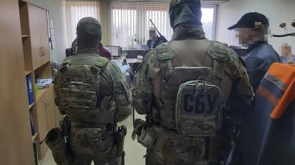 Сотрудники СБУ провели обыски и открыли уголовное производство: фигурантам грозит до 8 лет тюрьмы
