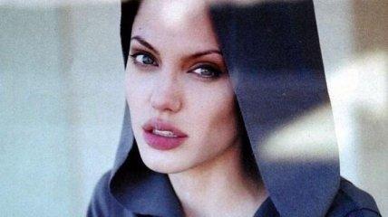 Анджелина Джоли оставит детей с Брэдом Питтом