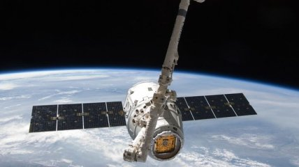 Космический корабль Dragon приводнился у побережья Калифорнии
