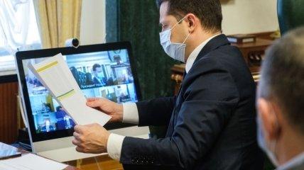 Зеленский задумал привлечь полицейских к проведению вакцинации от коронавируса
