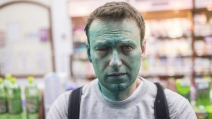Появилось видео нападения на Навального с зеленкой