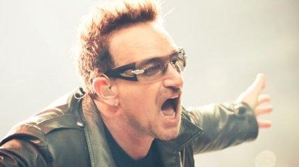 Боно из U2 может лишиться возможности играть на гитаре