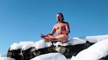"""""""Ледяной человек"""": экстремал, который покоряет горы в одних шортах (Фото)"""