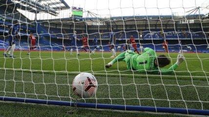 Вратарь дико опозорился в матче Челси - Ливерпуль: видеообзор
