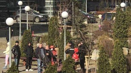 В Киеве женщина и ребенок упали с высоты и разбились: подробности (фото)
