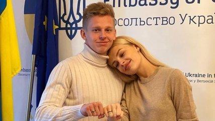 В джинсах и свитерах: Зинченко тайно женился в Лондоне (Фото, Видео)