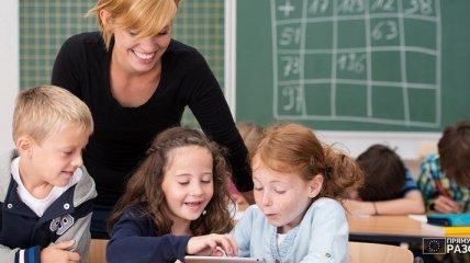 Теперь без баллов: в Украине вводится новая система оценивания для младших классов