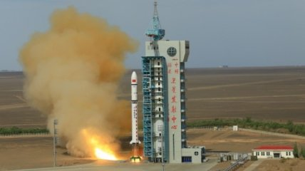 КНР запустила ракету Чанчжэн-2D с двумя спутниками