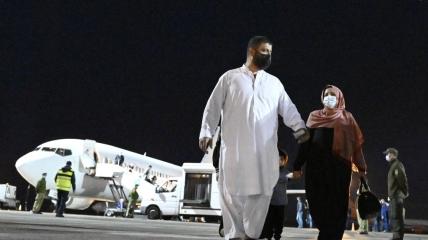 В Киеве приземлился самолет с эвакуированными из Кабула украинцами