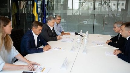 """""""Главное, чтобы мы сохранили позицию"""": о чем говорили Порошенко и глава ВКУ"""