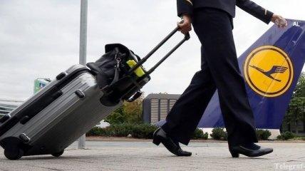 Lufthansa отменила более 1 тысячи рейсов в пятницу