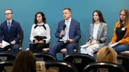 Детский омбудсмен: 1,5% всех украинских детей живут в интернатах