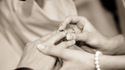 Поздравления с 44 годовщиной свадьбы на 24 июня в прозе и открытках