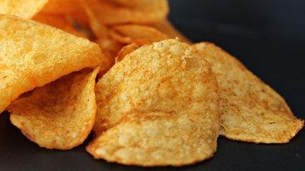 """Можно, но немножко: кому можно кушать """"вредные"""" чипсы"""