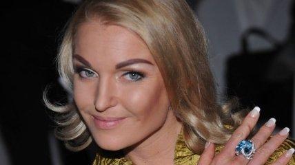 Волочкова шокировала поклонников очередным шпагатом