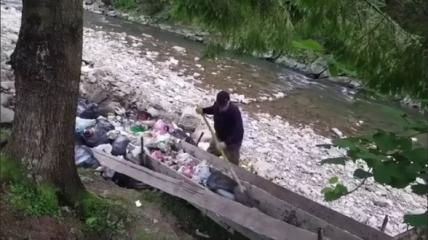 Среди отходов был пластик и полиэтилен