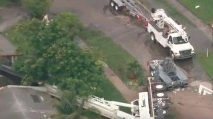 В США подъемный кран рухнул на жилые дома, есть пострадавшие (Видео)