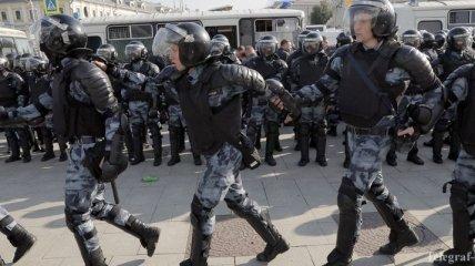 Латвия и Литва о протестах: Россия быстро превращается в полицейское государство
