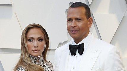 Дженнифер Лопес обнародовала фото помолвки с Алексом Родригесом