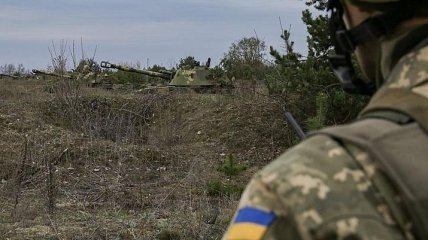 В зоне ООС боевики ранили украинского военного