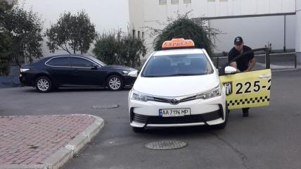 Таксист, избивший женщину в Киеве
