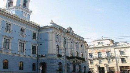 В Черновцах во второй тур выборов выходят действующий мэр и секретарь горсовета