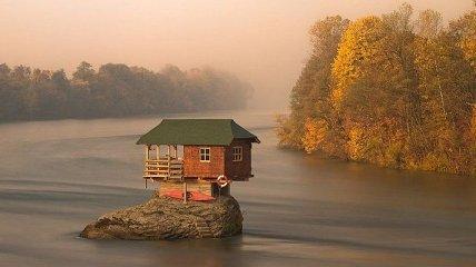 Мечта интроверта: одинокие дома на краю света (Фото)