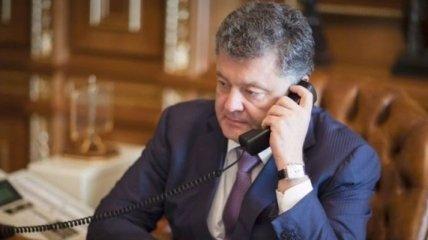 Порошенко обсудил с президентом Румынии закон об образовании