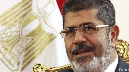 Египет: Мухаммед Мурси помещен под домашний арест