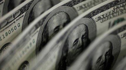 Госдолг за второй месяц кризиса вырос на миллиард долларов