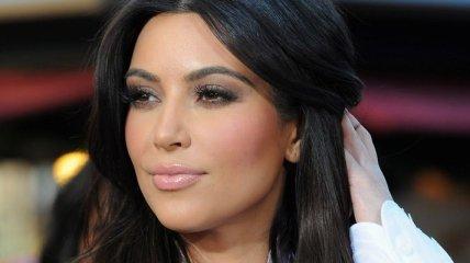 Ким Кардашьян сменила имидж и стала блондинкой