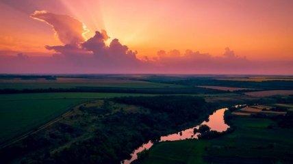 Аж дух захоплює: фото українських заходів сонця викликали захват у користувачів мережі