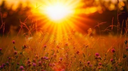 Погода в Україні: де збережеться спека і які регіони накриє грозовий фронт