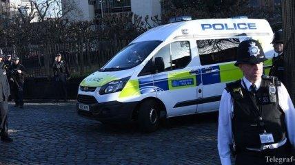На севере Лондона неизвестный с ножом нападал на людей