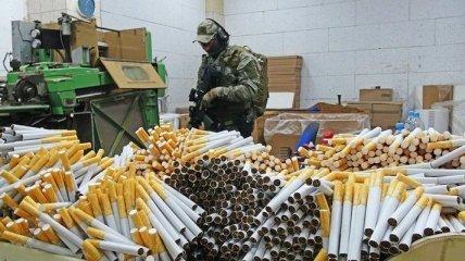 На крупнейшей нелегальной табачной фабрике в Польше поймали украинцев: в чем их обвиняют (фото, видео)