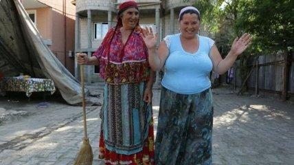 Роскошь и нищета: как на самом деле живут цыгане в Украине (Фото)