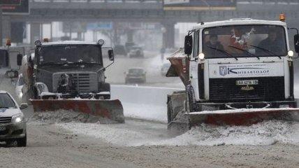 В КГГА рассказали, где убирают снег в первую очередь