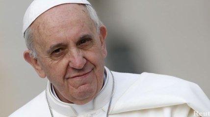 Папа Римский продлил полномочия кардинальской комиссии