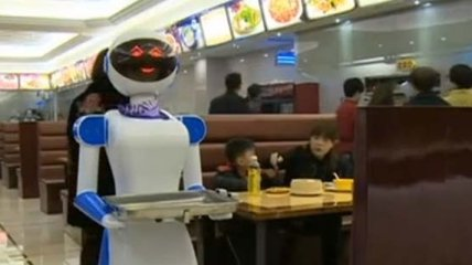 Рестораны мира, где работают роботы (Фото)