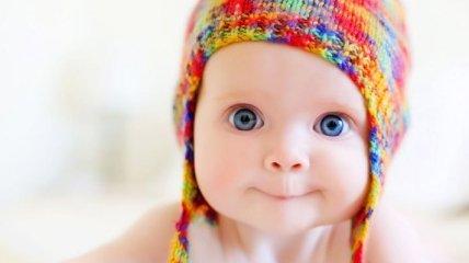 Загран для младенцев: В Украине уже 600 детей получили паспорта для выезда