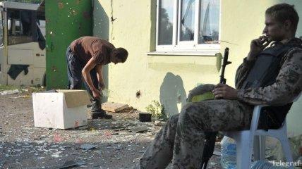 В результате обстрела террористов под Майорском ранена женщина