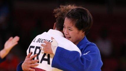 Японка Абе выиграла олимпийский турнир по дзюдо в весе до 52 кг