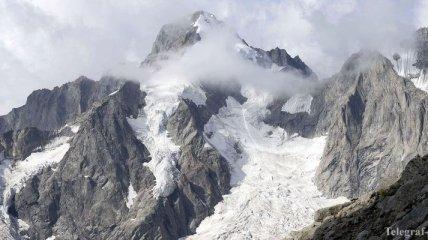 В Швейцарии из-за схода лавины погиб лыжник, есть пропавшие без вести