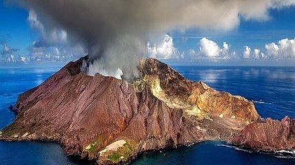 Вся история извержения вулканов за полторы минуты (Видео)