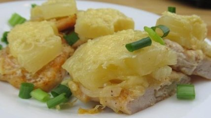 Рецепт дня: вкуснейшее куриное филе с ананасами